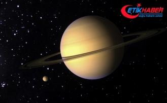 """Satürn artık """"en çok uyduya sahip gezegen"""""""