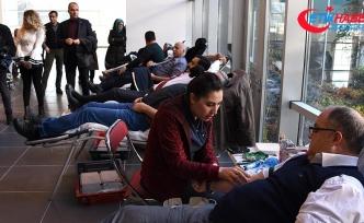 Kemik iliği nakli bekleyen hastalar için sıraya girdiler