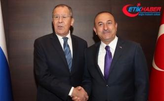 Çavuşoğlu: Vize kolaylığı konusunda bir belgeyi Sayın Putin imzaladı