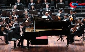 Fazıl Say ve Şanghay Filarmoni aynı sahnede