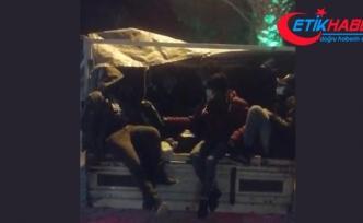 Durdurulan araçtan 25 göçmen çıktı