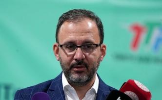 Bakan Kasapoğlu'ndan Galatasaray Kulübünde başkanlığa seçilen Burak Elmas'a tebrik