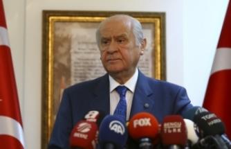 MHP Lideri Bahçeli: HDP'li Belediye Başkanları isabetli bir idari tasarrufla görevlerinden geçici tedbirle uzaklaştırılmışlardır