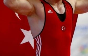 Milli güreşçi Cenk İldem bronz madalya kazandı