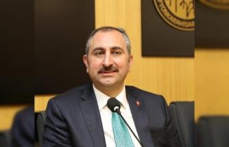 Adalet Bakanı Gül: İcrayla çocuğu görme hakkına ilişkin yeni tasarı hazırlıyoruz