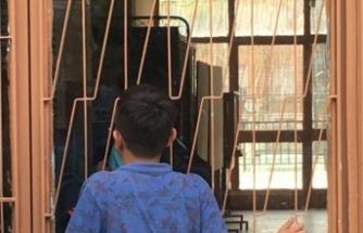 Ders çalışırken saatin farkında olmayan öğrenciler okulda mahsur kaldı
