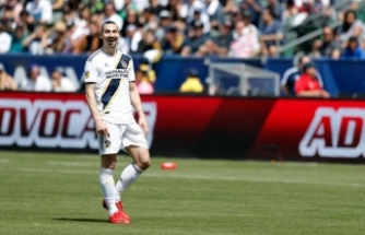 İsveçli Yıldız Oyuncu Zlatan İbrahimovic, Malmö'den Transfer Teklifi Aldığını Açıkladı