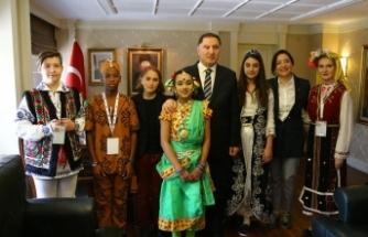 Kamu Başdenetçisi Malkoç çocukları kabul etti