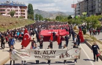 Tunceli'de 4 bin kişi 57'nci Alay için yürüdü