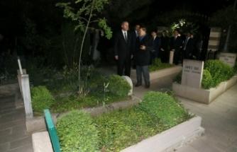 Erdoğan'dan, Arvasi Hazretleri'nin kabrine ziyaret