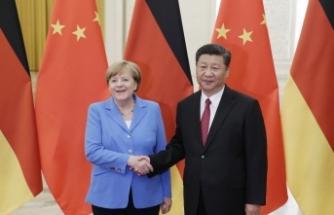 Merkel, Çin Devlet Başkanı Xi Jinping ile görüştü