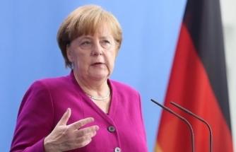"""Merkel'den """"İran'ın saldırgan eğilimlerine"""" karşı tedbir çağrısı"""