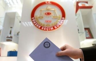 Şanlıurfa Suruç'ta Havaya Ateş Açılarak Durdurulan Otomobilde 4 Çuval Oy Pusulası Ele Geçti