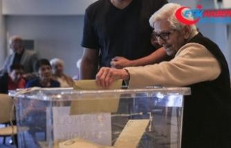 Huzurevlerinde oylarını kullandılar