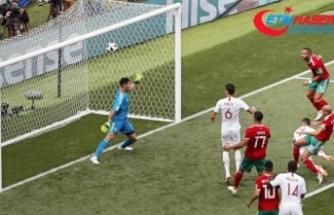 Ronaldo atıyor, Portekiz kazanıyor