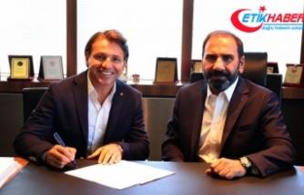 Sivasspor Tamer Tuna ile 1 yıllık sözleşme imzaladı