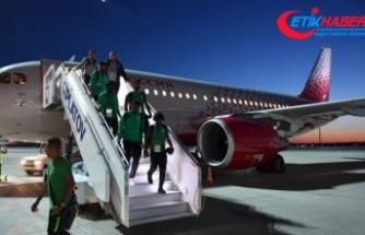 Suudi milli takımının uçağı tehlike atlattı