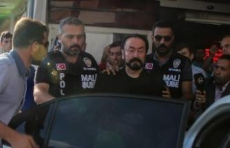 Adnan Oktar soruşturmasında çok sayıda tabanca ve tüfek bulundu