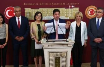 CHP delegelerine olağanüstü kurultay için imza çağrısı