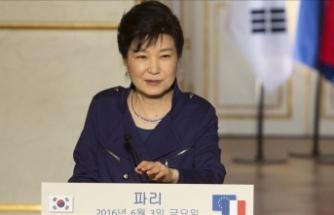 Güney Kore'nin eski Devlet Başkanı Park'a 8 yıl hapis cezası daha