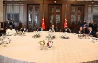 Erdoğan'dan yabancı devlet temsilcileri onuruna yemek