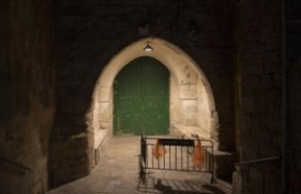 İsrail polisi Mescid-i Aksa'nın kapılarını kapattı