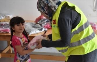 Kudüslü çocuklara bayram hediyesi