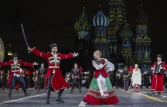 Putin'den ilginç düğün hediyesi