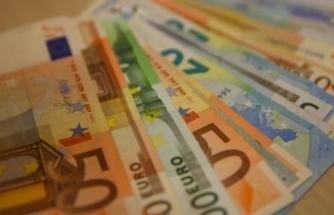 Haftanın son işlem gününü dolar 6.28'den euro ise 7.38'den kapattı