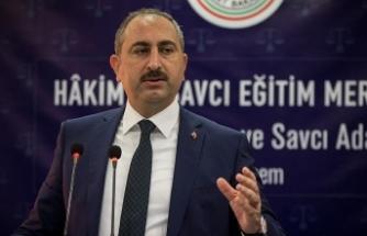 Adalet Bakanı Gül: Hakim yardımcılığı müessesi üzerinde çalışıyoruz