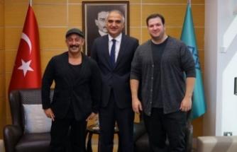 Bakan Ersoy, ünlü isimlerle sinema ve televizyon dünyasını konuştu