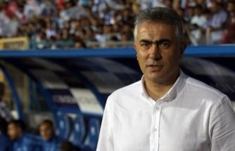 Büyükşehir Belediye Erzurumspor Teknik Direktörü Altıparmak: Galatasaray'dan 3 puanı alabiliriz