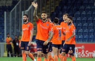 Medipol Başakşehir, Bursaspor'a konuk oluyor