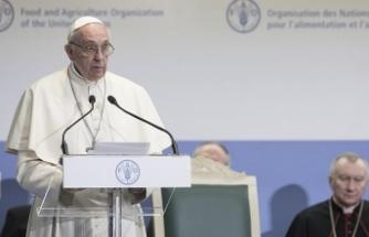 Papa'dan 'yabancı nefretinin geri döndüğü' uyarısı