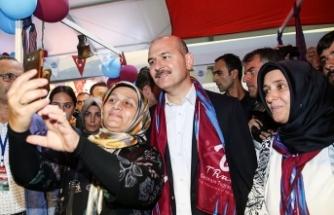 Soylu Trabzon'da vatandaşlarla bir araya geldi