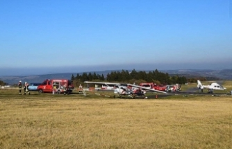 Almanya'da pistten çıkan uçak yayaların arasına daldı: 3 ölü