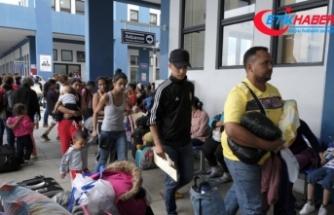 Binlerce Venezuelalı Peru'ya göç ediyor