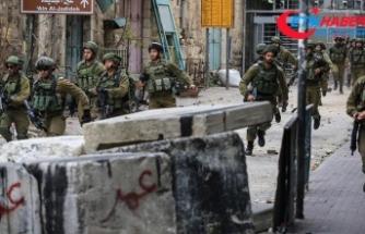 İsrail askerleri El Halil'de bir Filistinliyi şehit etti