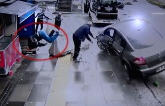 Kaza yaptığı aracını çekiciye yükletirken başka otomobil çarptı