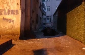 İstanbul Güngören'de 6 katlı bina çökme riski nedeniyle boşaltıldı