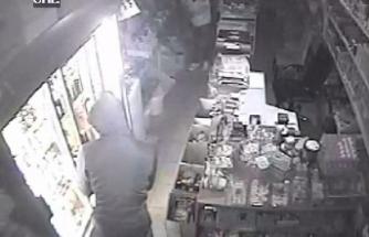 Market soyguncuları güvenlik kamerasına yakalandı