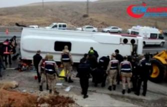 Midibüs devrildi: 7 ölü, 15 yaralı
