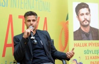 Oyuncu ve yönetmen Haluk Piyes: Toplumsal konularda tavizim sıfır