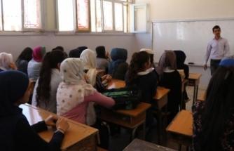 Türkiye'den Suriye'ye 3 milyon 600 bin ders kitabı