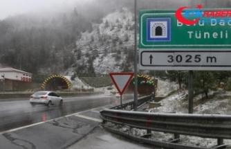 Anadolu Otoyolu ve Bolu Dağı'nda kar yağışı başladı