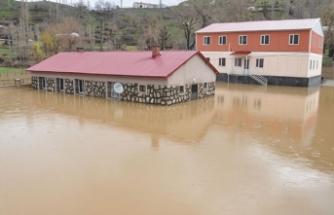 Bitlis'te selden dolayı 40 köy ve 45 mezrada ulaşım sağlanamıyor