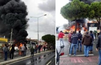 Çeşme'de yapı markette yangın çıktı