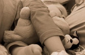 'Çocuklarda gece yatak ıslatma psikolojik bir sorun değil'