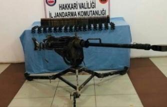 Hakkari'de doçka silahı ve mühimmat ele geçirildi