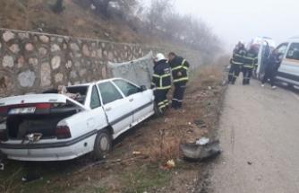 Kırıkkale'de minibüs ve iki otomobil çarpıştı: 3 yaralı